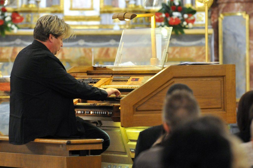 Glazbeno-književna večer uz orgulje varaždinske Katedrale obilježila prvu festivalsku subotu