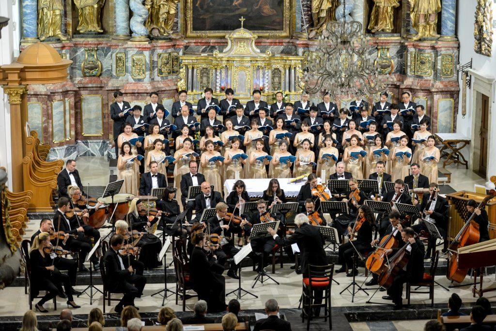 """Varaždinski glazbenici zajedno sa zborom iz južnokorejskog grada Daejona izveli u Katedrali oratorij """"Izrael u Egiptu"""""""